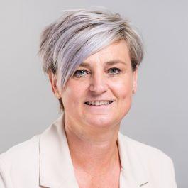Ruth De Busser